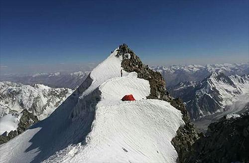 Naše poprvé-expedice Pik Pathkor // Víťa Dubec, Tom Cimr